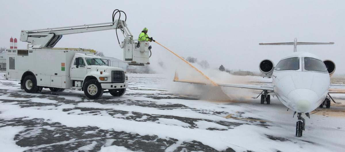 Type-I and Type-IV De-icing Services.